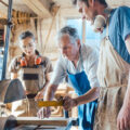 【社労士監修】在職老齢年金制度をわかりやすく解説!働きながら年金を満額もらう方法とは?